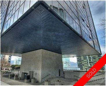 Coal Harbour Apartment for sale: The Qube 1 bedroom 668 sq.ft.